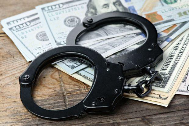 Налоговая милиция сдирает три шкуры с бизнеса.